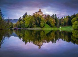 Бесплатные фото Trakoscan Castle,Croatia,Замок Тракоскан,Хорватия,озеро,деревья,закат