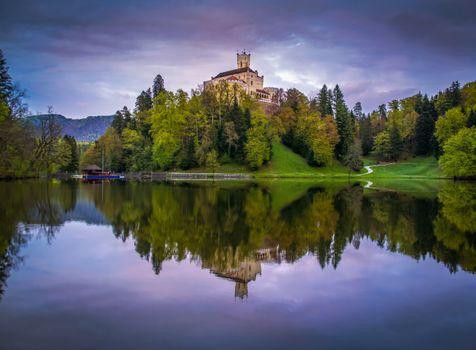 Фото бесплатно Хорватия, замок Тракоскан, озеро