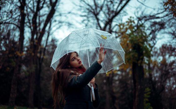 Бесплатные фото girl,woman,outdoor,inspiration,female,waterproof,surprised,september,retro,raincoat,plastic,outwear