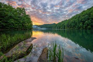 Фото на телефон озеро, закат