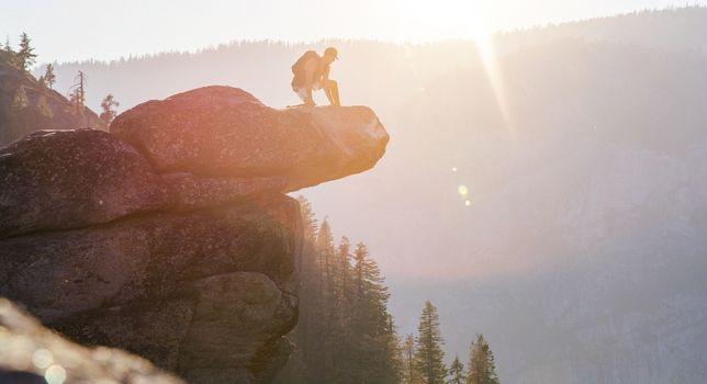 Photo free stone, man, mountain