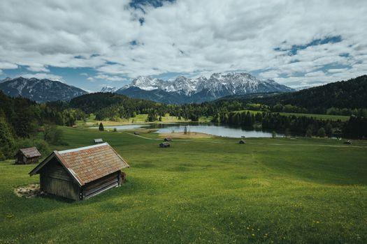 Бесплатные фото Озеро Герольдзее,пасмурный день,Германия,Geroldsee,Южный Тироль,Альпы,Гармиш,Партенкирхен,сельская местность,Bavaria,Бавария,горы