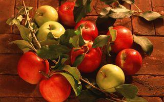 Заставки яблоки, кирпич, листочки