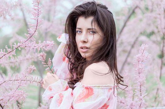 Бесплатные фото девушка,женщина,фотография,цветок,женский пол,портрет,модель,весна,мода,леди,розовый,флора