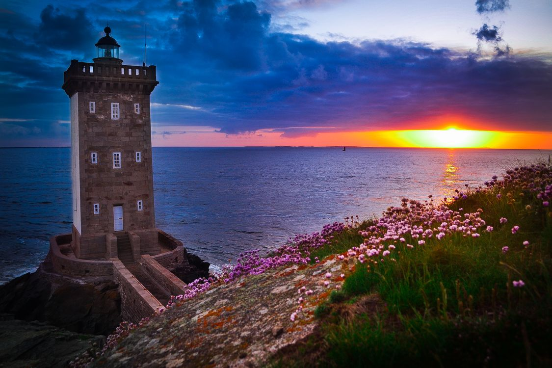 Free photo Kermorvan lighthouse, sun, France - to desktop