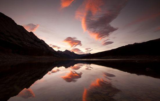Заставки отражение, облака, горы
