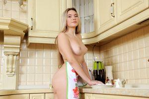 Бесплатные фото Eva Jude,красотка,голая,голая девушка,обнаженная девушка,позы,поза