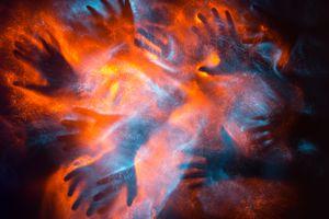Фото бесплатно матовое стекло, свет, руки