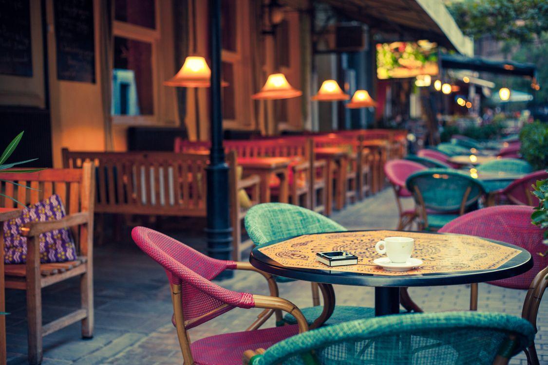 Фото бесплатно кафе, стулья, город - на рабочий стол
