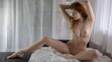Бесплатные фото Хейди Романова,рыжая,сиськи,большие сиськи,соски,ню,бритая киска