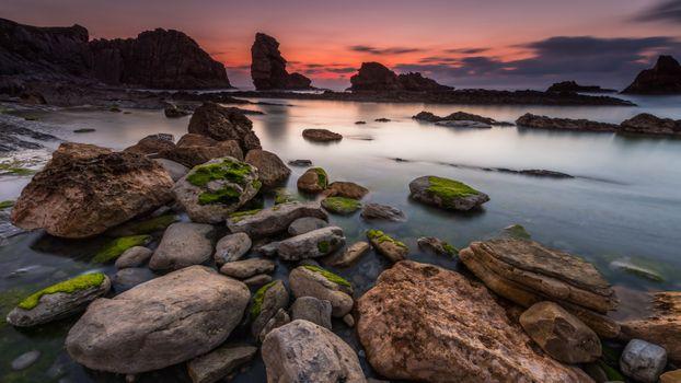 Sea stones and rocks silhouettes · free photo