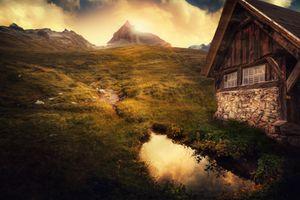 Бесплатные фото стрый дом,ручей,горы,облака,природа,пейзаж