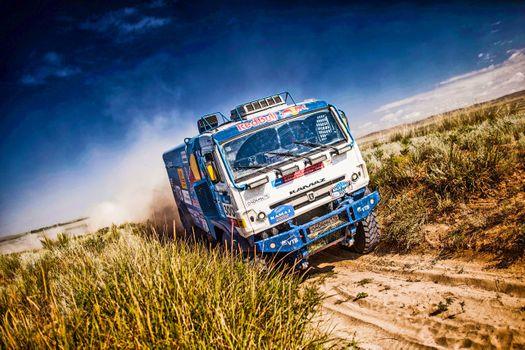 Фото бесплатно грузовик, автомобиль, поле