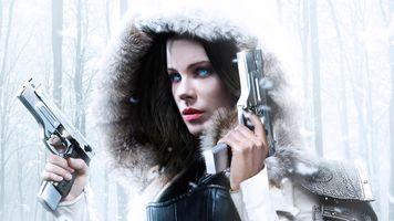 Фото бесплатно Другой мир, Селин, два пистолета