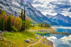 Фото бесплатно Icefield Parkway, Banff Park, Jasper Park, Canada, горы, озеро, деревья, пейзаж