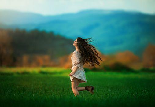 Бесплатные фото поле,девушка,девушки,макияж,лицо,косметика,стиль,гламур,красота,модель,красивый макияж,красотка