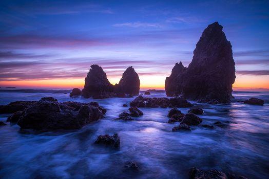 Берег и скалы в San Francisco