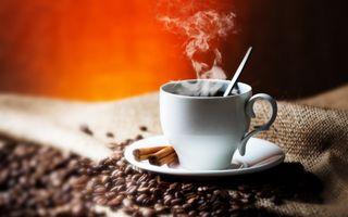 Чашка кофею · бесплатное фото