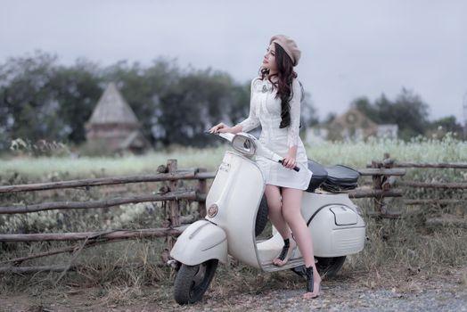 Бесплатные фото Азии,женщины,женщины на открытом воздухе,скутер