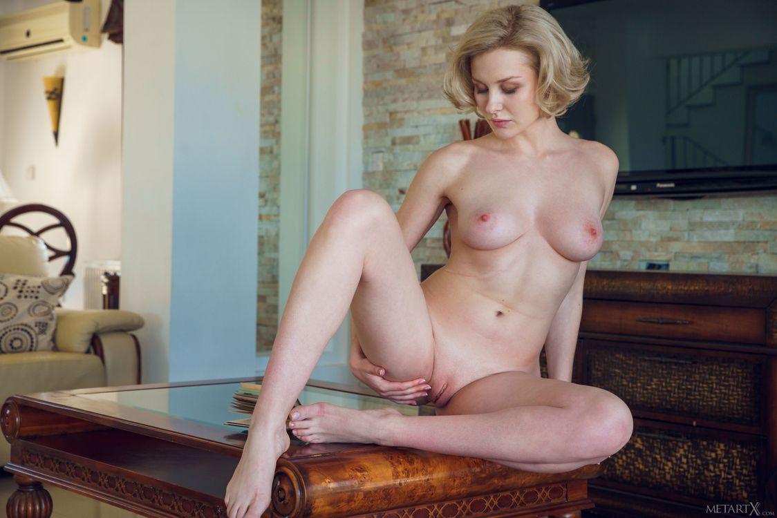 Фото бесплатно Кери, грудастая, блондинка - на рабочий стол