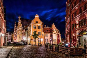 Бесплатные фото Штральзунд, Германия, улица, дома, дорога, ночь, иллюминация