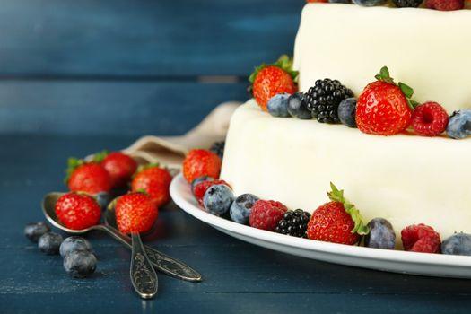 Десерт с ягодами
