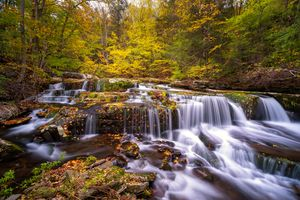 Фото бесплатно скалы, река, цвета осени