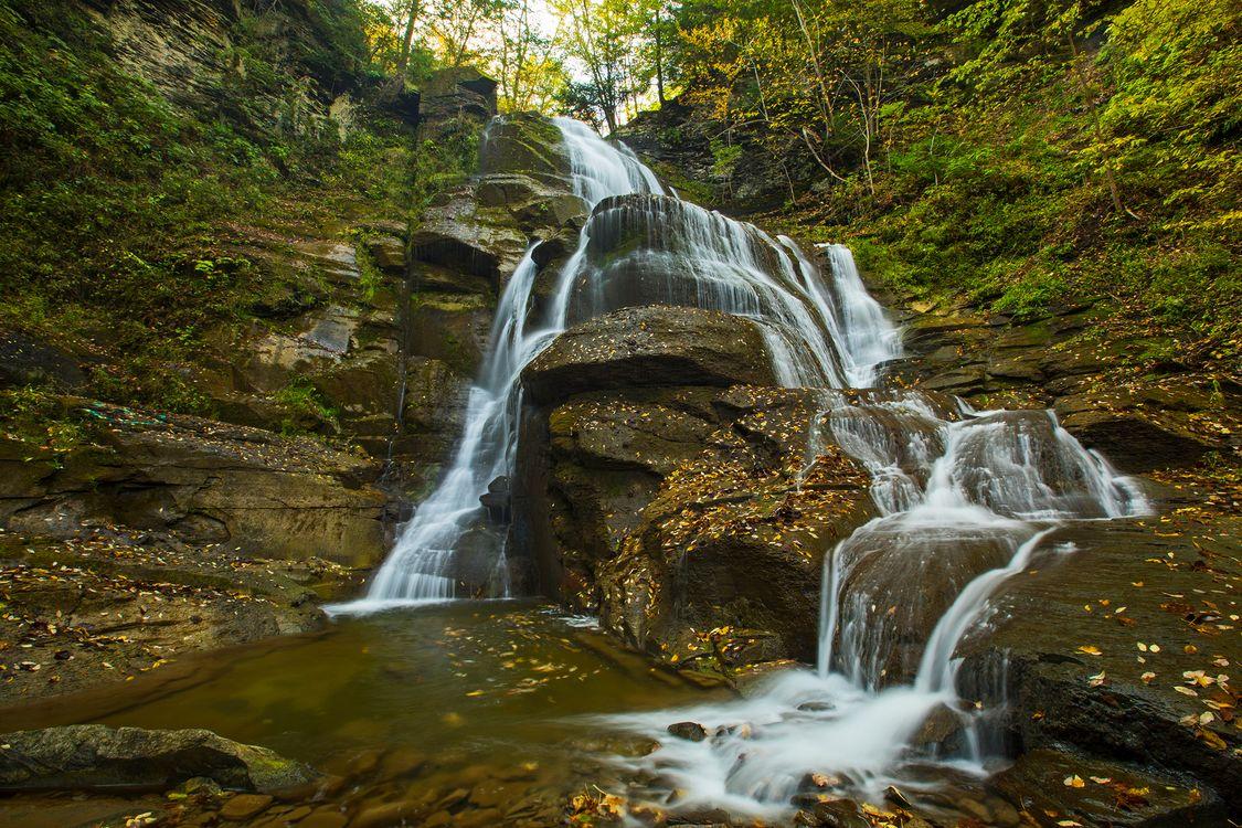 Обои осень, водопад, лес, скалы, деревья, водоём, природа, поток, вода, камни, пейзаж на телефон | картинки пейзажи