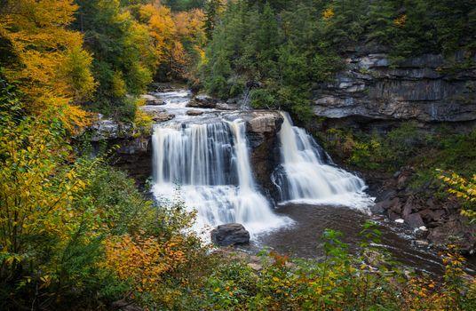 Фото бесплатно Blackwater Falls, West Virginia, водопад