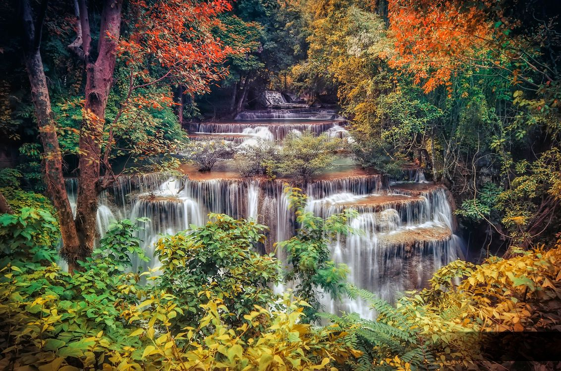 Фото бесплатно Huai Mae Kamin Waterfall, Kanchanaburi Province, Thailand, водопад, скалы, деревья, природа, пейзаж, осень, пейзажи