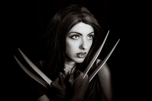 the girl with the knives · free photo