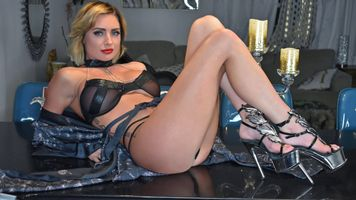 Бесплатные фото Салина Форд,блондинка,пышные,американки,взрослая модель,ножки,высокие каблуки