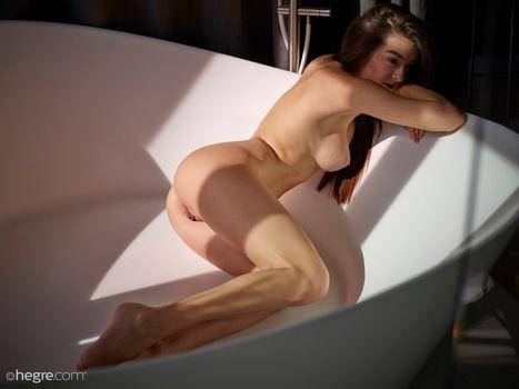 Photo free boobs, posing, long hair