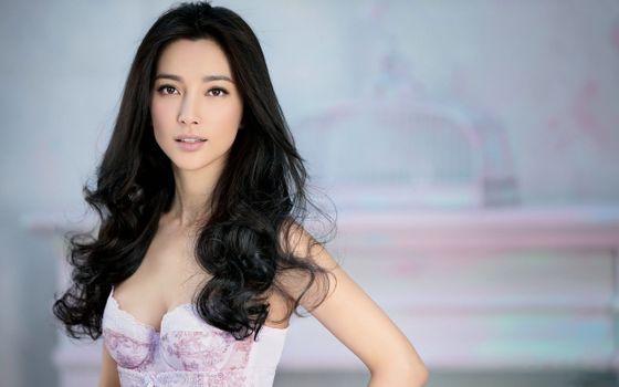 Бесплатные фото молодая девушка,азиатка,черные волосы,позирует,платье,Ли Бинбин