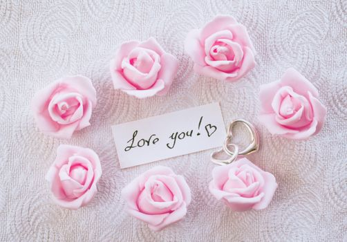 A note that says I love you! · free photo