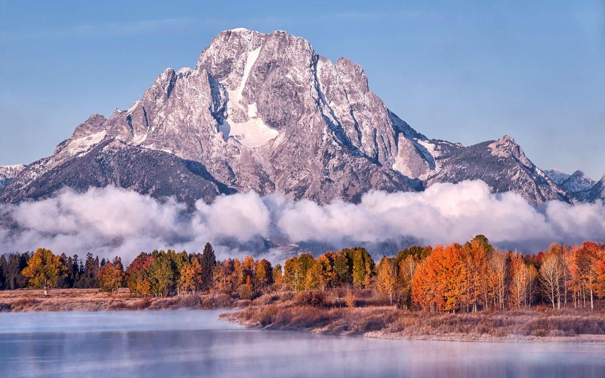 Фото бесплатно осень, облака, туман, озеро, пейзаж, листья, горы - на рабочий стол