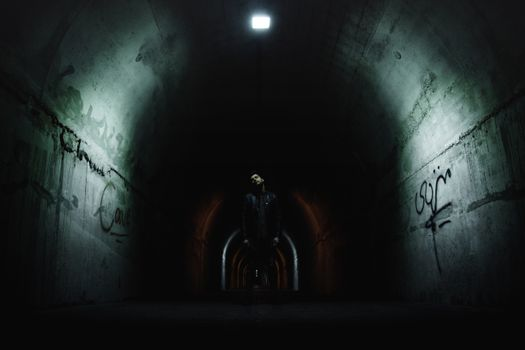 Фото бесплатно тоннель, мужчина, темно
