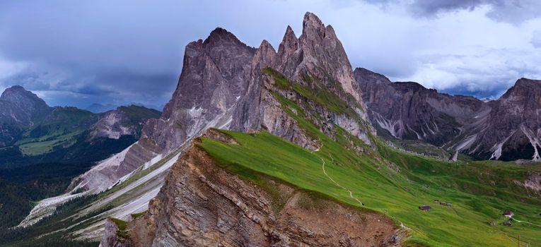 Photo free Odle peaks, Seceda, Dolomites