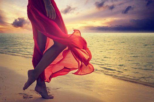 Фото бесплатно пляж, платье, ноги