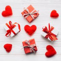 Фото бесплатно подарки, сердечки праздник, валентинка