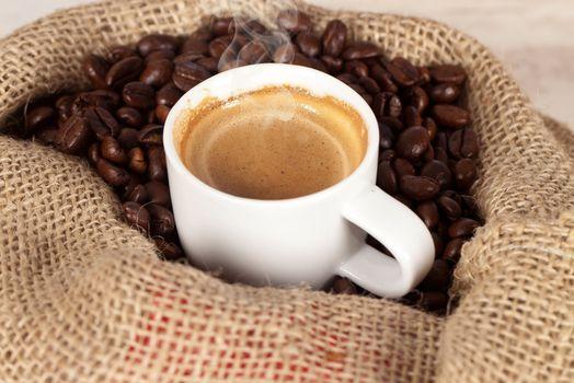 Кофе в мешковине