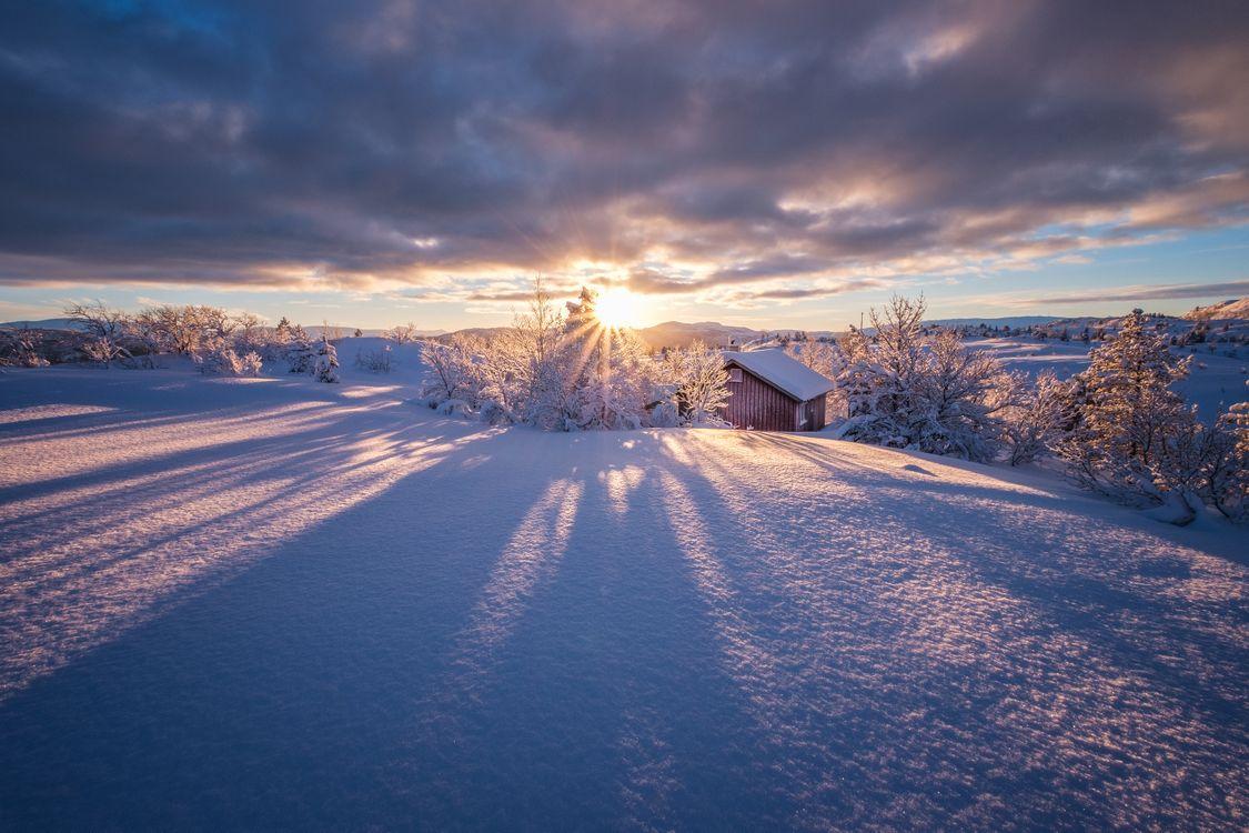 Фото бесплатно закат, дом, сугробы - на рабочий стол