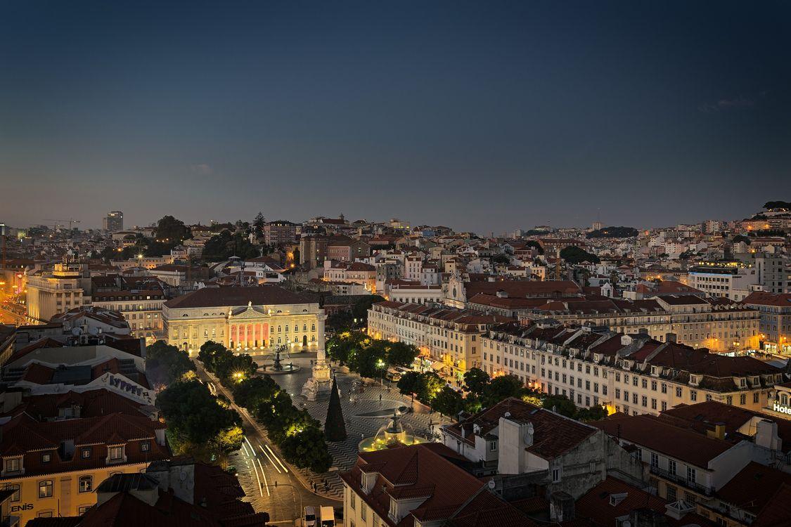 Фото бесплатно Лиссабон, Португалия, город, ночь, огни, иллюминация, город - скачать на рабочий стол