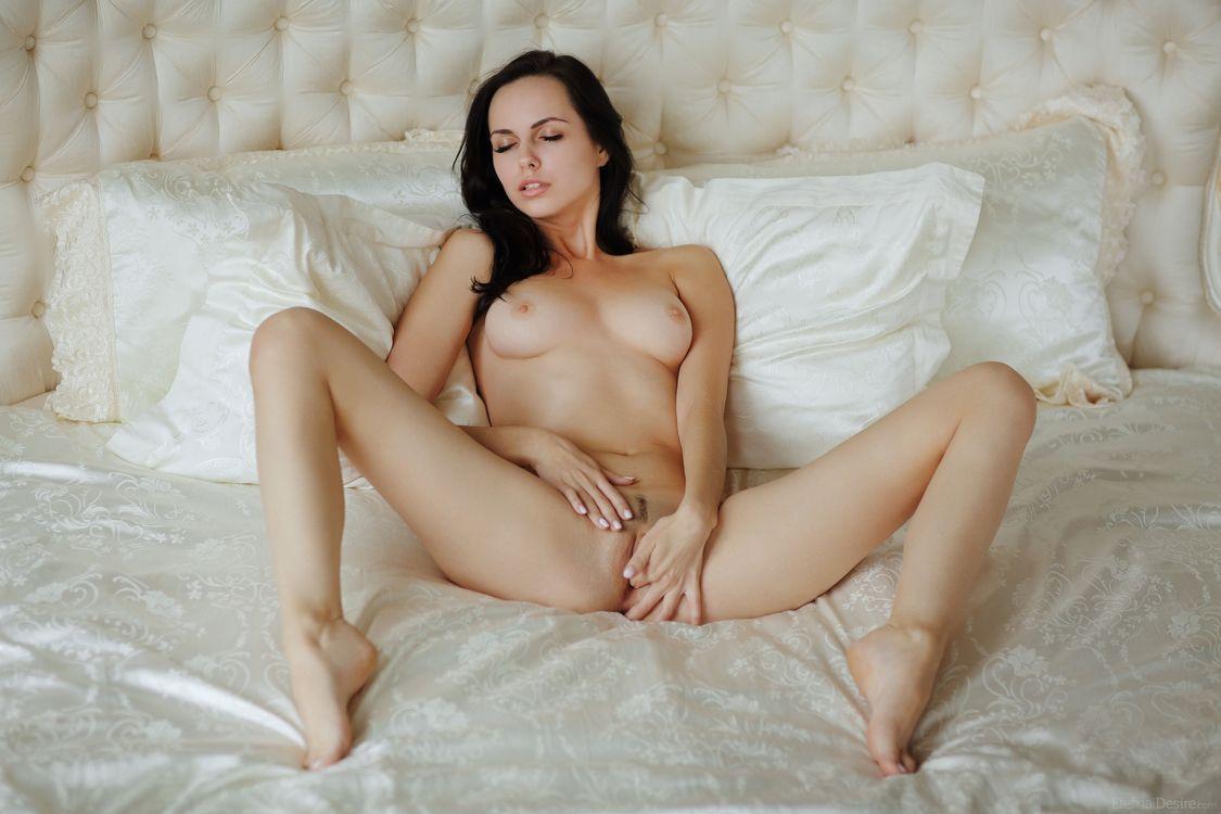 Порно зрелые тетки раздеваются и мастурбируют онлайн нас