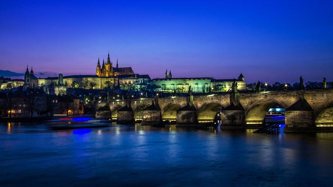 Река в Праге · бесплатное фото