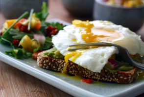 Фото бесплатно яйцо, хлеб, овощи