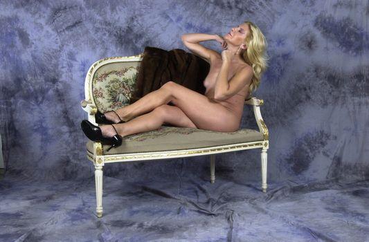 Фото бесплатно обнаженная модель, каблуки, блондинка шлюха, эскорт