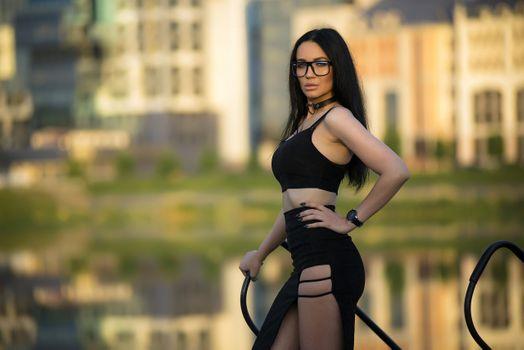 Заставки девушка, очки, горячая
