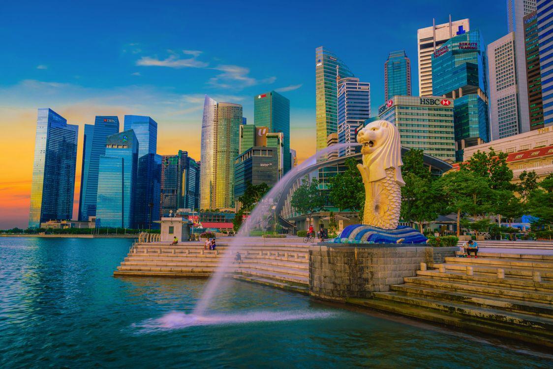Фото бесплатно Фонтан статуи Мерлиона, парк Мерлион, Сингапур, закат, город - скачать на рабочий стол