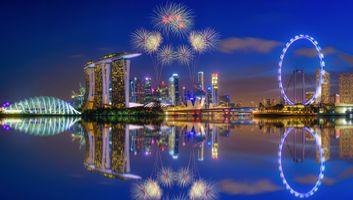 Обои Фейерверк, Марина Бей, Сингапур, салют, небоскрёбы, сумерки, город